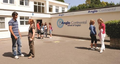 Anglo-Continental, Борнмут (проживание в семье)