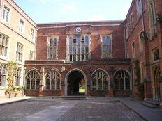 Discovery Summer, Winchester College проживание в резиденции